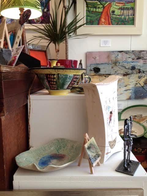 Velvet Easel bowl & mini art on easel