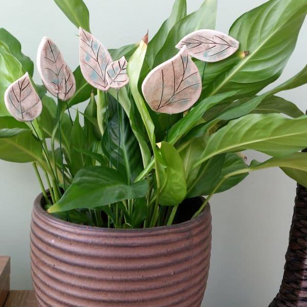 decorative plant pot leaves