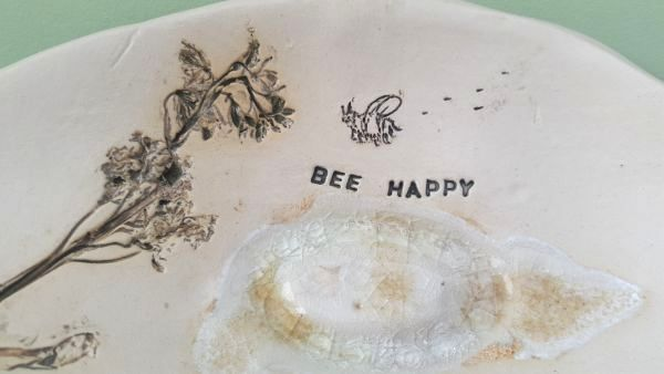 bee happy detail