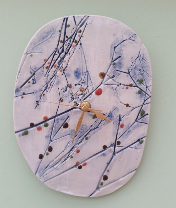 winter berry branches ceramic clock