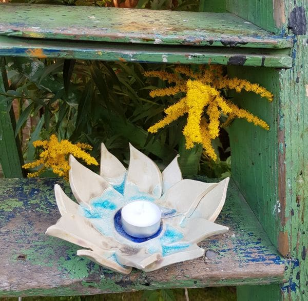 blue flower tea light dish