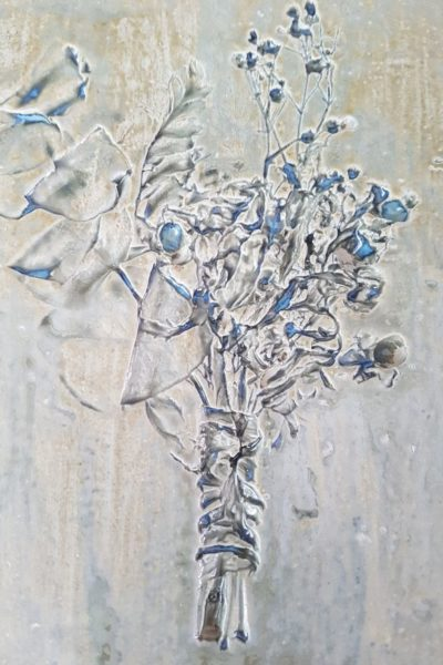 buttonhole impression - ceramic tile