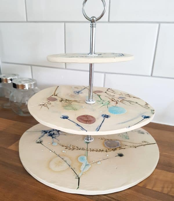 ceramic cake stand