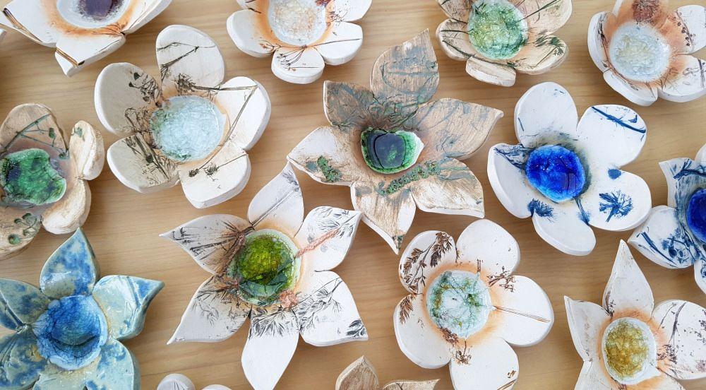 ceramic petal dishes