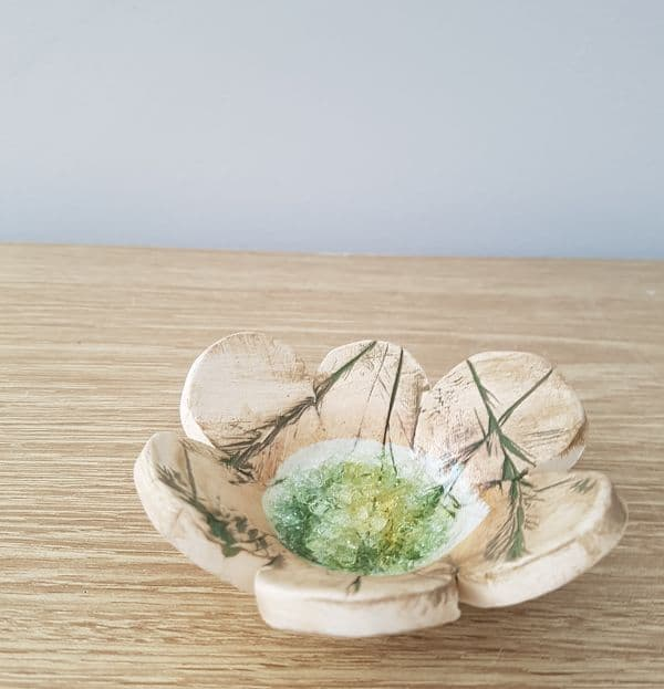 ceramic petal ring dish