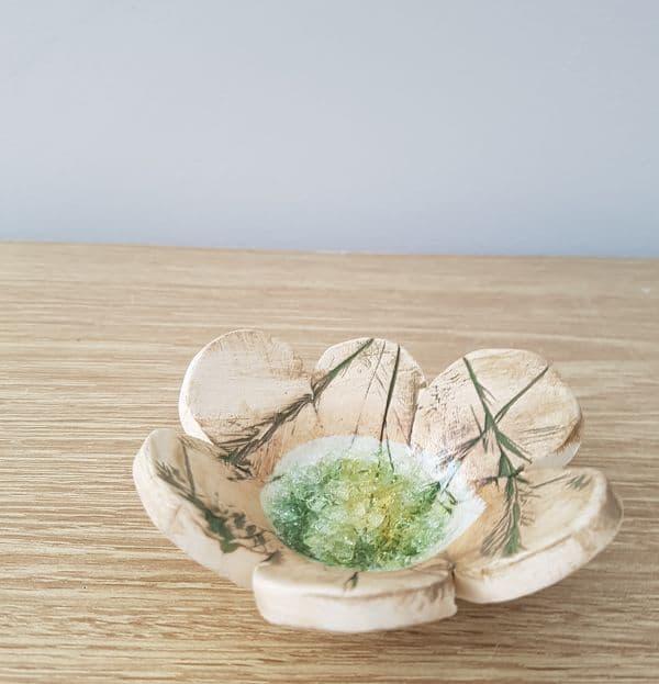 ceramic petal ring dish