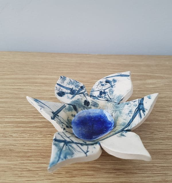 blue petal tea light bowl