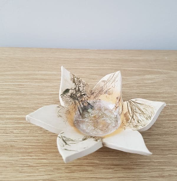 ceramic petal tea light dish