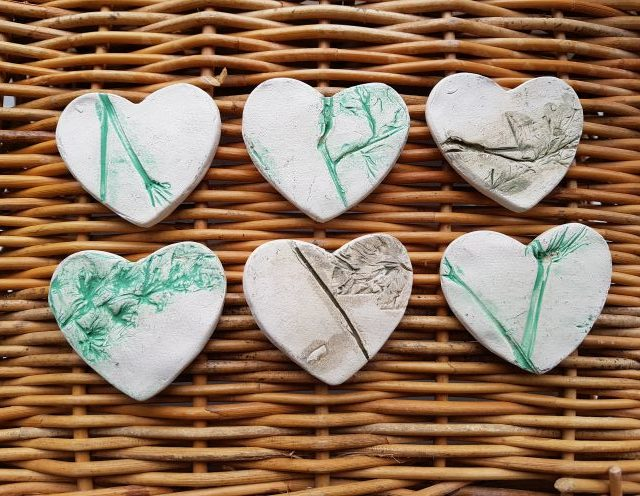 Set of 6 Ceramic heart magnets