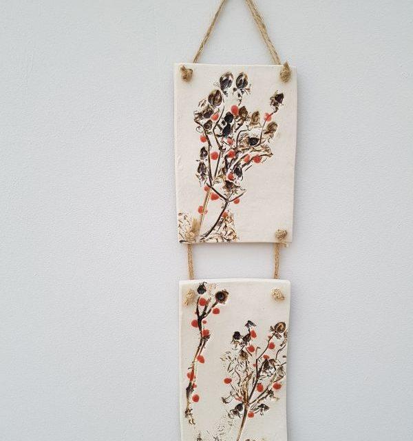 red berries ceramic wall hanging
