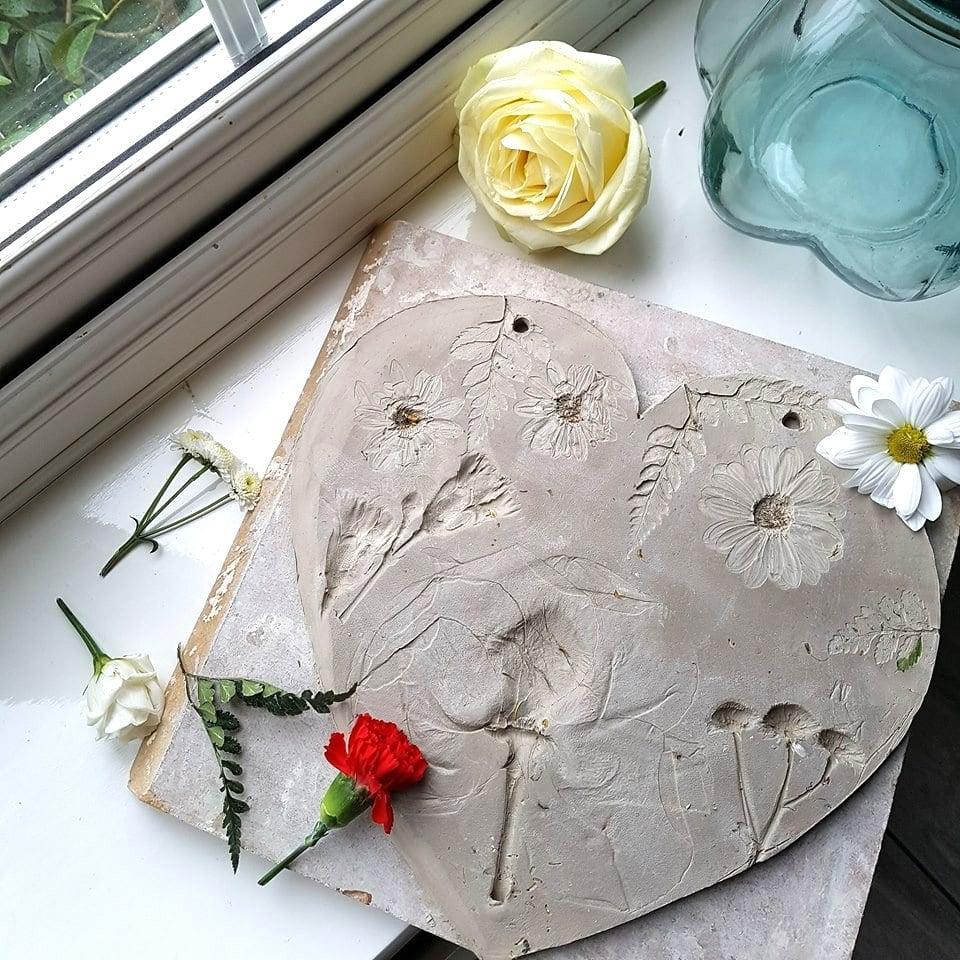 floral heart plaque in progress