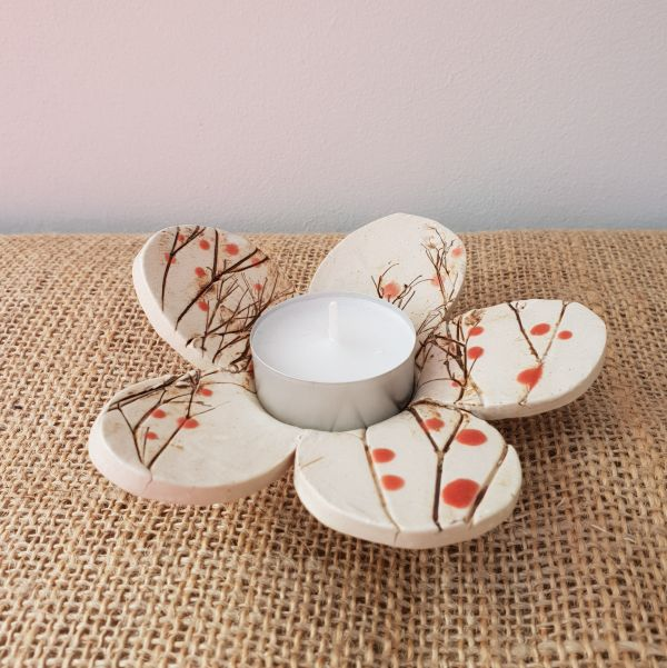 red berries tea light holder