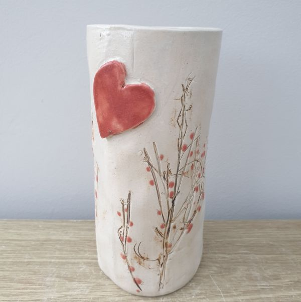 red berries vase heart