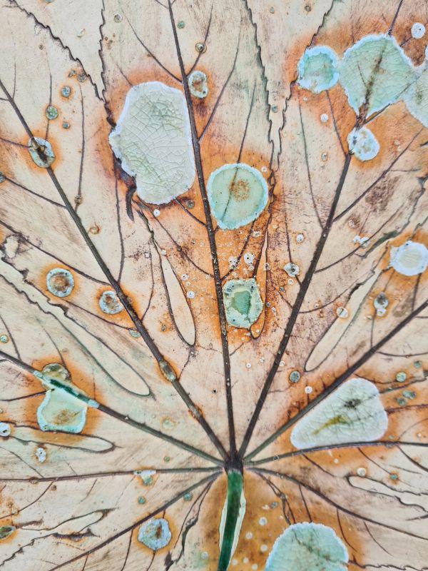 ceramic leaf wall hanging detail